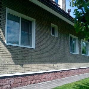 Фасадная (цокольная) панель